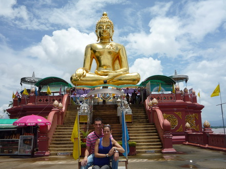 Chiang Mai budget tour special 1. Chiang Rai and the Golden triangle 1 day.